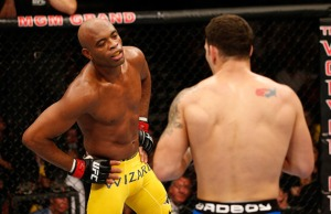 http://mmafightfans.com/this-wasnt-the-first-time-anderson-silva-dropped-his-hands-and-clowned-in-the-cage-photos/