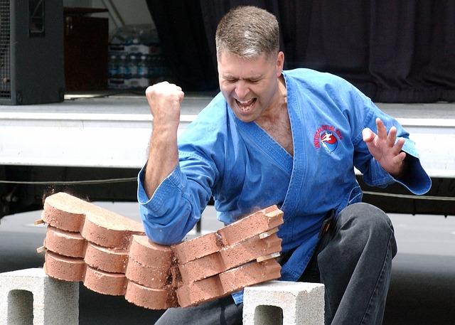 elbow vs bricks